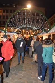 La foule est présente sur le marché de noël de rouen